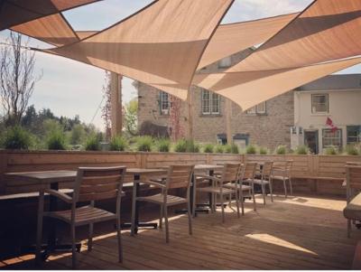 Glen Tavern patio